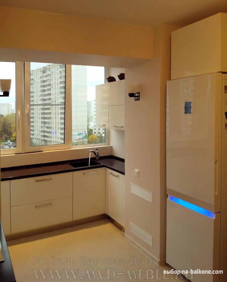 Отличное решение - из балкона сделать кухню!.