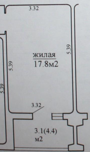Балкон 3,1 кв.м с диванчиком, шкафов-купе и зоной хранения под окном