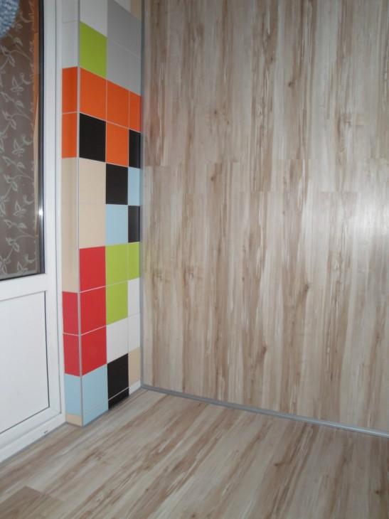 Утепленный пеноплексом балкон 1,5х2,5 м с ламинатом на полу и стенах