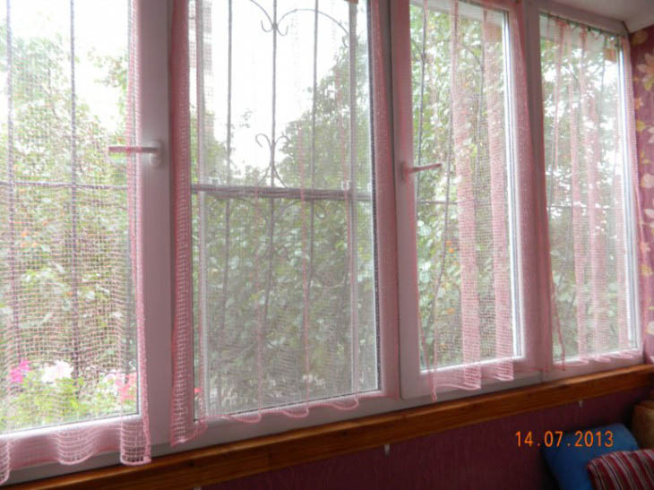 Уютный балкон 1,2 метра с самодельной мебелью и утеплением