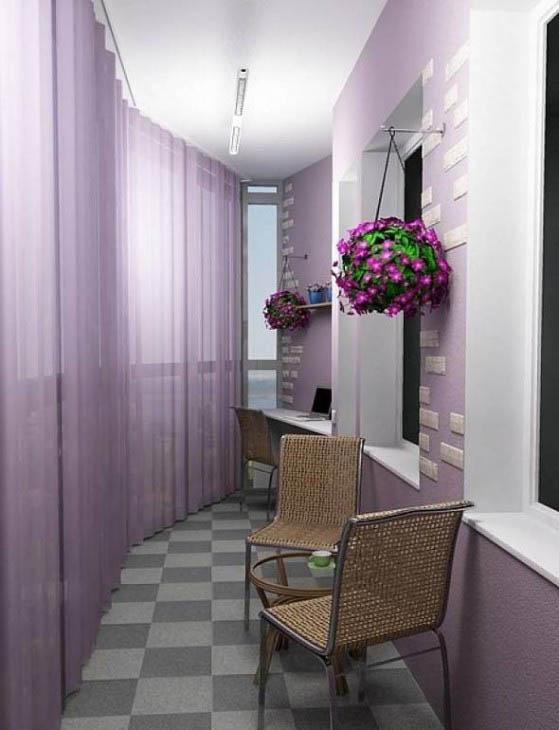 Лавандовые оттенки и цветочные мотивы - стильный дизайн балкона