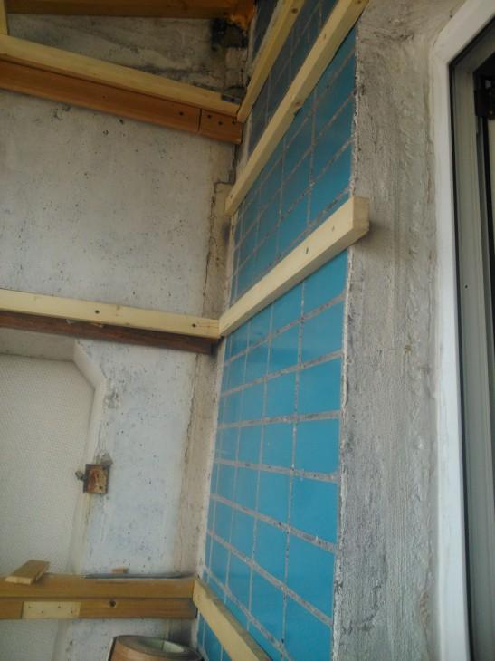 Лоджия 3 кв.м. с ПВХ панелями и мебелью из ИКЕА